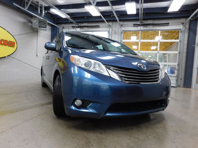 2013 Toyota Sienna XLE in Airport Motor Mile ( Metro Knoxville ), TN 37777