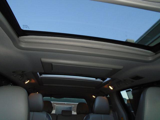 2013 Toyota Sienna Ltd in Alpharetta, GA 30004