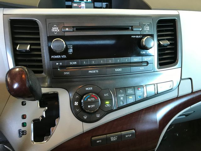 2013 Toyota Sienna Ltd Farmington, MN 8