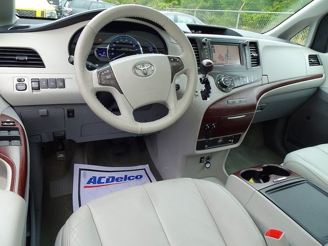 2013 Toyota Sienna XLE Madison, NC 40