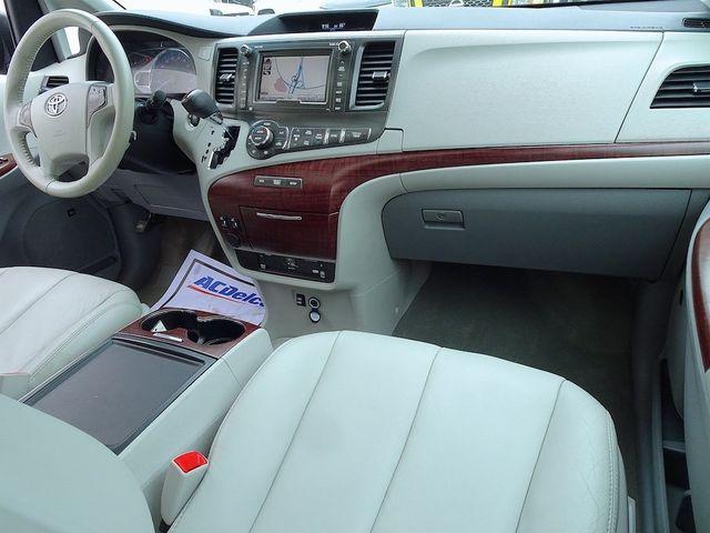 2013 Toyota Sienna XLE Madison, NC 41
