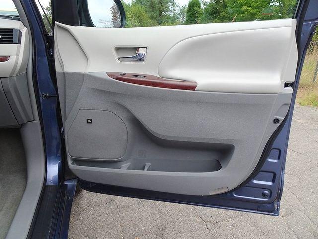 2013 Toyota Sienna XLE Madison, NC 42