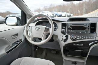 2013 Toyota Sienna LE Naugatuck, Connecticut 15