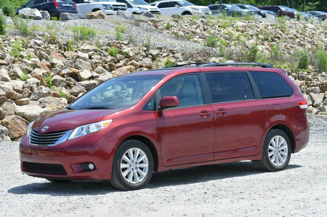 2013 Toyota Sienna XLE Naugatuck, Connecticut 2