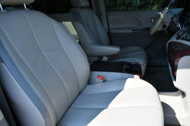 2013 Toyota Sienna Ltd 4WD Naugatuck, Connecticut 10