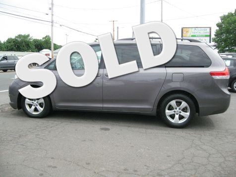 2013 Toyota Sienna LE in West Haven, CT