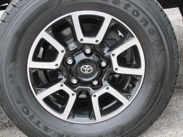 2013 Toyota Tundra St. Louis, Missouri 16