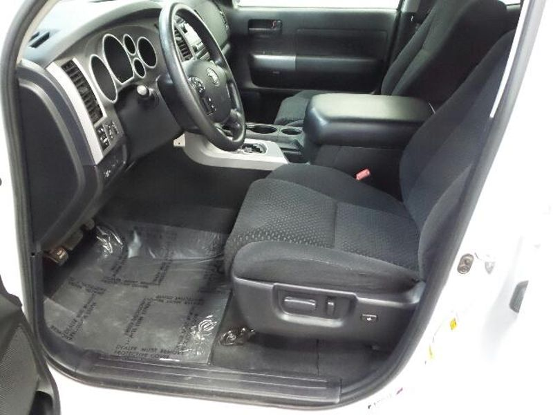 2013 Toyota Tundra Double Cab 57L V8 6-Spd AT  in Victoria, MN