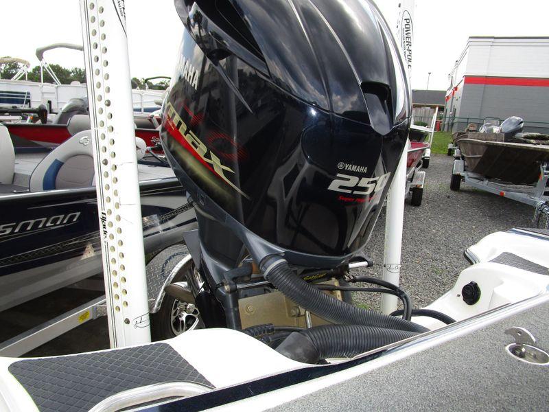 2013 Triton 21HP ELITE   in Charleston, SC