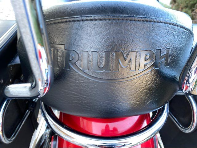 2013 Triumph Bonneville T100 Two Tone in McKinney, TX 75070