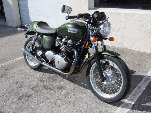 2013 Triumph Thruxton 900 in Dania Beach Florida, 33004