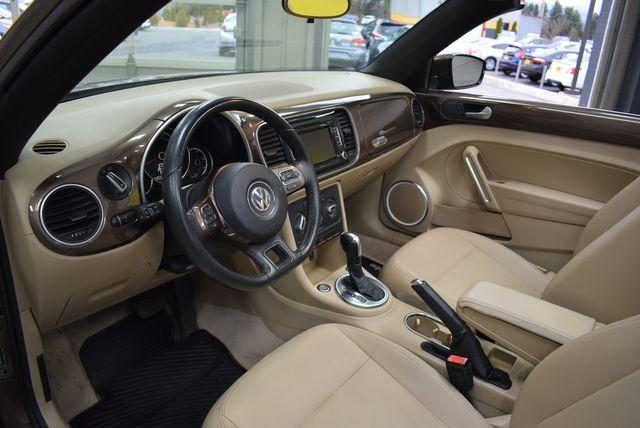 2013 Volkswagen Beetle Convertible 2.5L w/Tech in Airport Motor Mile ( Metro Knoxville ), TN 37777