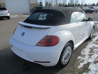 2013 Volkswagen Beetle Convertible 2.5L Farmington, MN 1