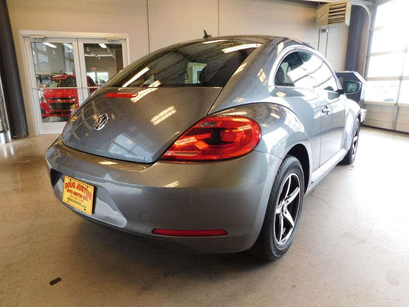 2013 Volkswagen Beetle Coupe 25L Entry  city TN  Doug Justus Auto Center Inc  in Airport Motor Mile ( Metro Knoxville ), TN