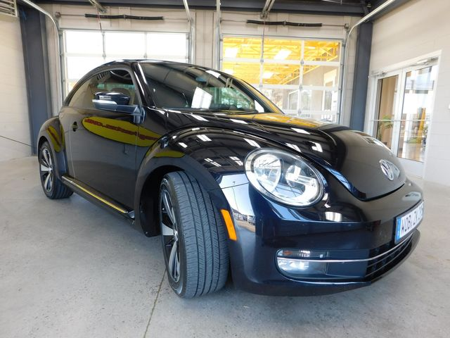 2013 Volkswagen Beetle Coupe 2.0T Turbo in Airport Motor Mile ( Metro Knoxville ), TN 37777