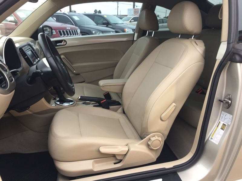 2013 Volkswagen Beetle Coupe 25L wSun  Brownsville TX  English Motors  in Brownsville, TX