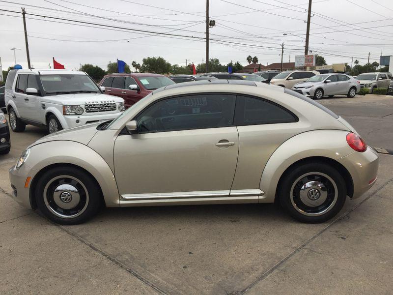 2013 Volkswagen Beetle Coupe 25L wSun  Brownsville TX  English Motors  in Brownsville, TX