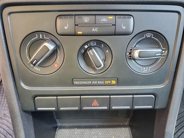 2013 Volkswagen Beetle Coupe 2.0T Turbo w/Sun/Sound/Nav in Brownsville, TX 78521