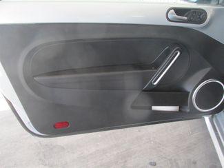 2013 Volkswagen Beetle Coupe 2.5L Gardena, California 9