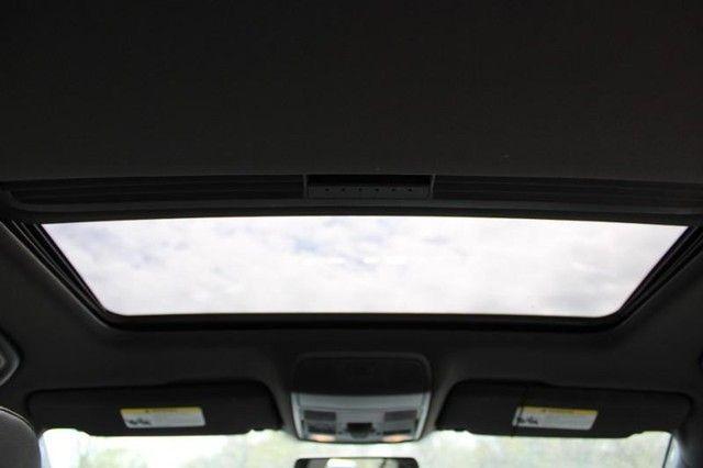 2013 Volkswagen Golf R w/Sunroof & Navigation St. Louis, Missouri 10