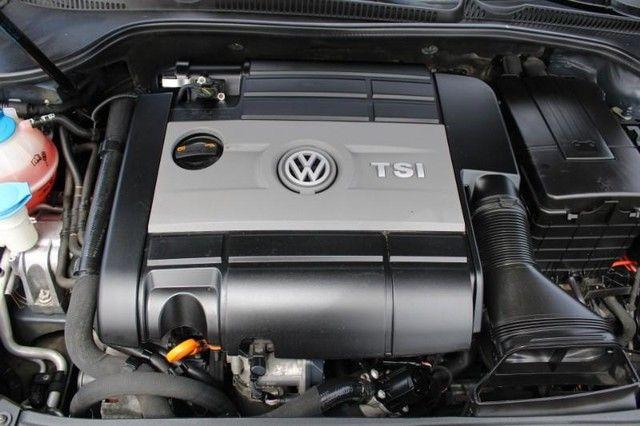 2013 Volkswagen Golf R w/Sunroof & Navigation St. Louis, Missouri 7