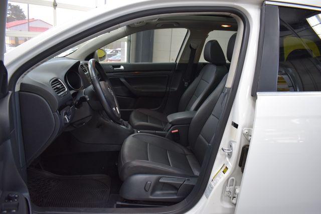 2013 Volkswagen Jetta TDI w/Sunroof in Airport Motor Mile ( Metro Knoxville ), TN 37777