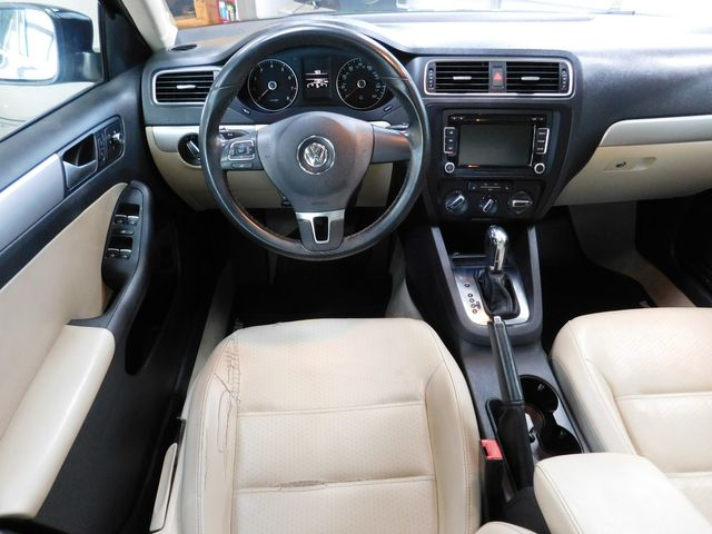 2013 Volkswagen Jetta SE w/Convenience/Sunroof in Airport Motor Mile ( Metro Knoxville ), TN 37777