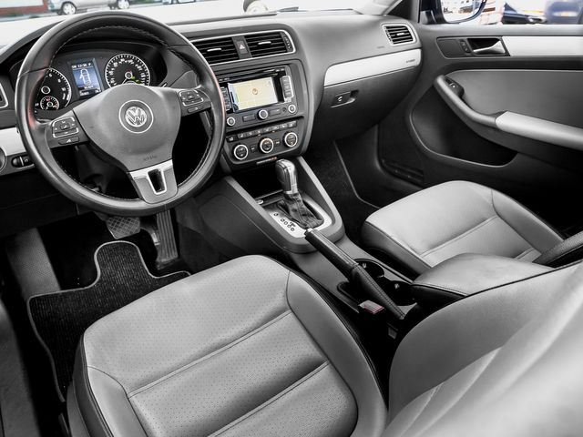 2013 Volkswagen Jetta Hybrid SEL Burbank, CA 9