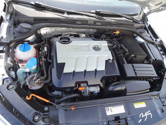 2013 Volkswagen Jetta TDI w/Premium/Nav Madison, NC 42