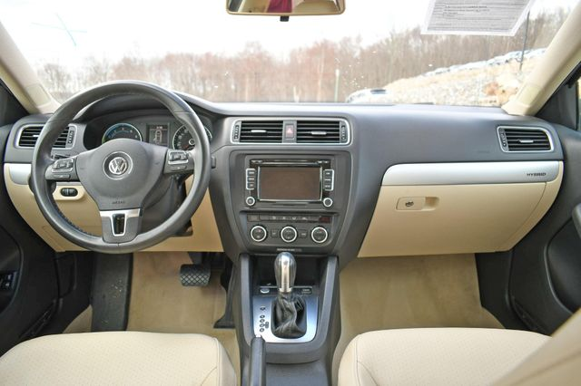 2013 Volkswagen Jetta Hybrid SE Naugatuck, Connecticut 18