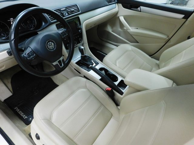 2013 Volkswagen Passat TDI SE w/Sunroof in Airport Motor Mile ( Metro Knoxville ), TN 37777