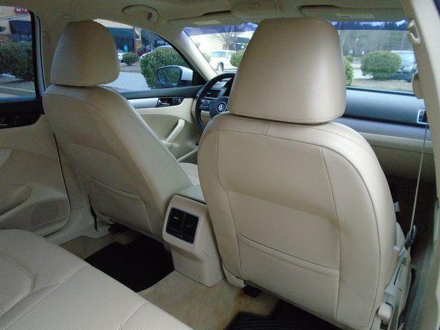 2013 Volkswagen Passat SE w/Sunroof in Alpharetta, GA 30004