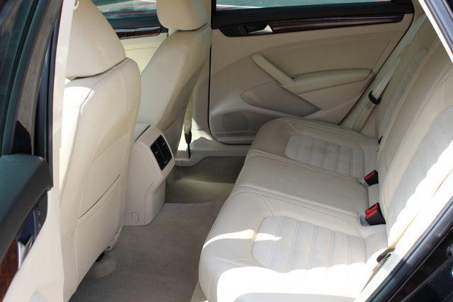 2013 Volkswagen Passat TDI SEL Premium Austin , Texas 12