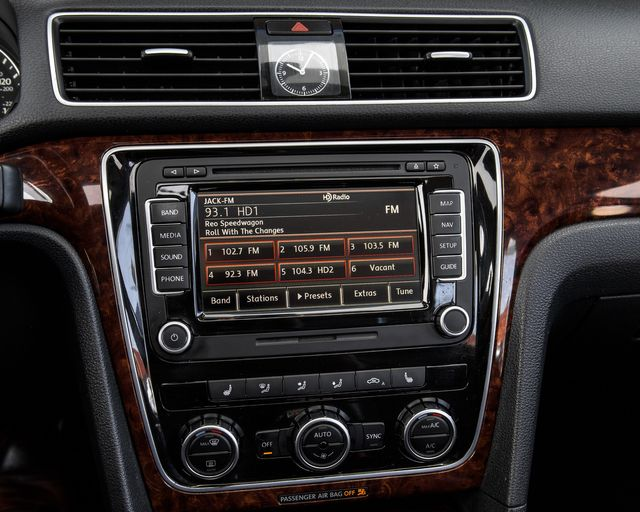 2013 Volkswagen Passat SEL Premium Burbank, CA 22