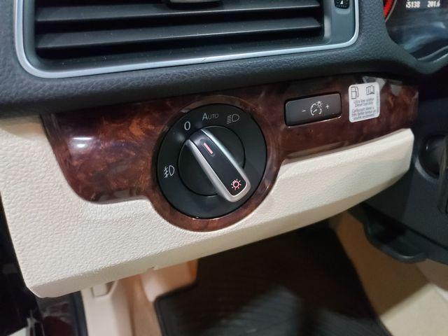 2013 Volkswagen Passat TDI SEL Premium in Dickinson, ND 58601