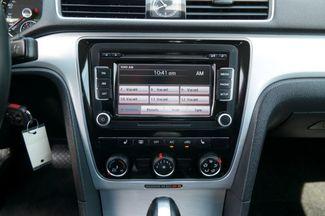 2013 Volkswagen Passat SE Hialeah, Florida 19