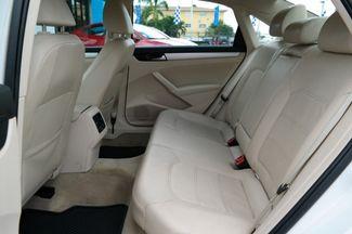 2013 Volkswagen Passat SE Hialeah, Florida 26