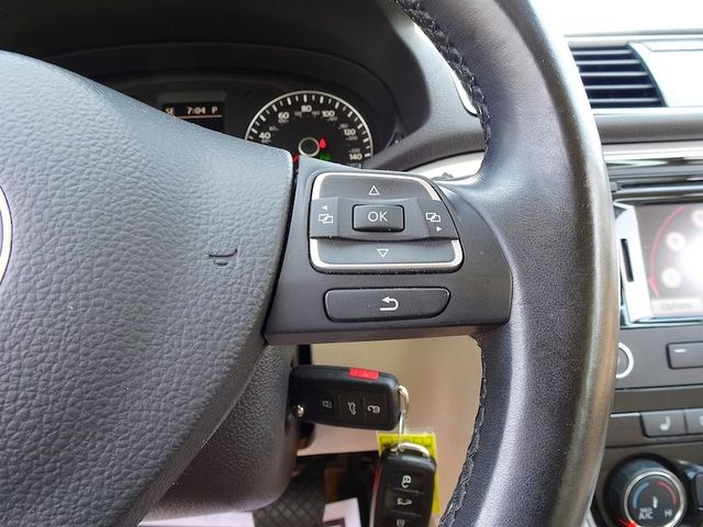 2013 Volkswagen Passat TDI SE w/Sunroof & Nav Madison, NC 15