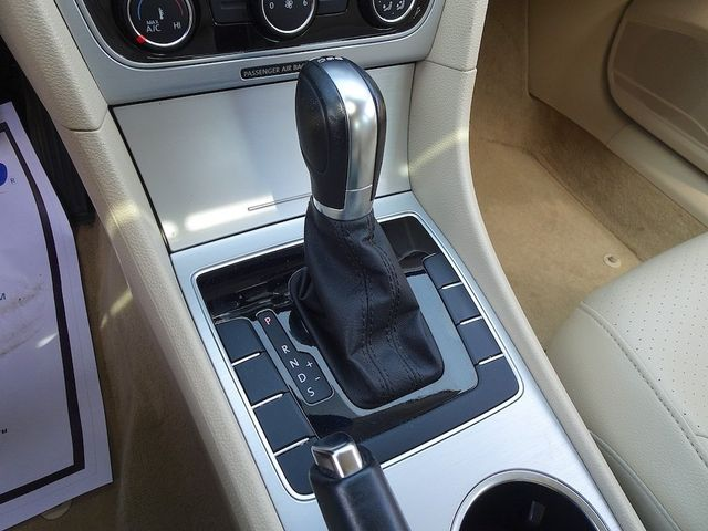 2013 Volkswagen Passat TDI SE w/Sunroof & Nav Madison, NC 22