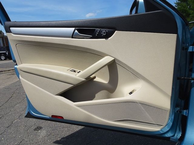 2013 Volkswagen Passat TDI SE w/Sunroof & Nav Madison, NC 24
