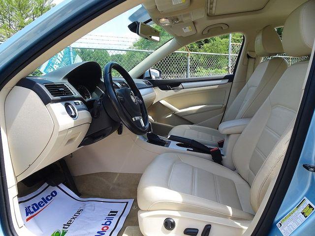 2013 Volkswagen Passat TDI SE w/Sunroof & Nav Madison, NC 25