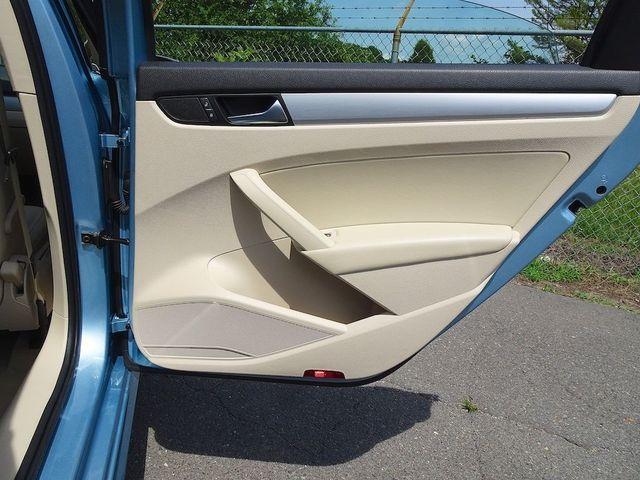 2013 Volkswagen Passat TDI SE w/Sunroof & Nav Madison, NC 31