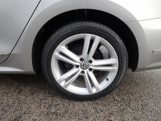 2013 Volkswagen Passat TDI SE w/Sunroof & Nav Madison, NC 10