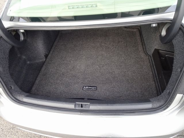 2013 Volkswagen Passat TDI SE w/Sunroof & Nav Madison, NC 12