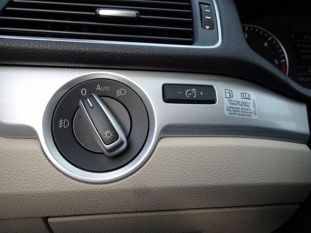 2013 Volkswagen Passat TDI SE w/Sunroof & Nav Madison, NC 16