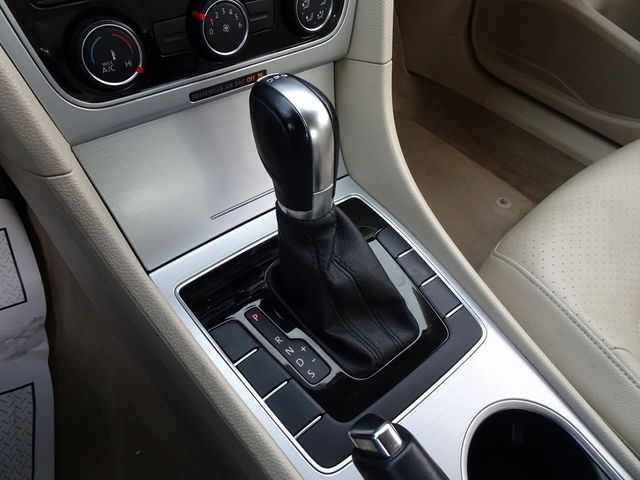 2013 Volkswagen Passat TDI SE w/Sunroof & Nav Madison, NC 21