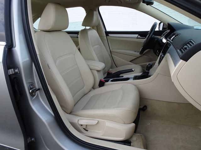 2013 Volkswagen Passat TDI SE w/Sunroof & Nav Madison, NC 37