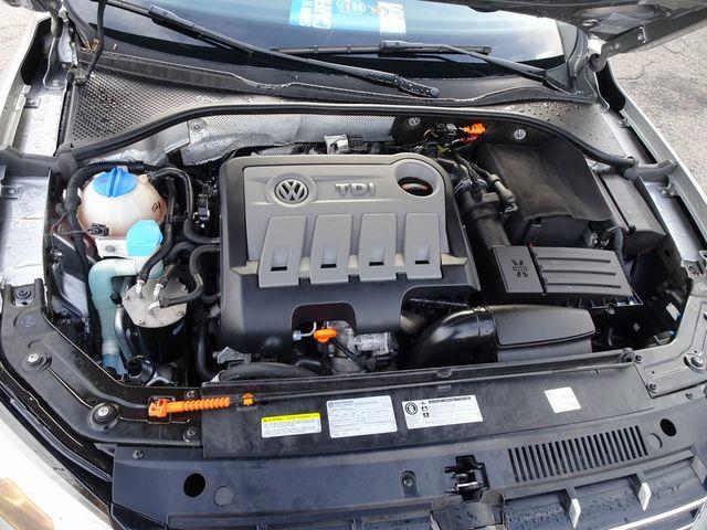 2013 Volkswagen Passat TDI SE w/Sunroof & Nav Madison, NC 41
