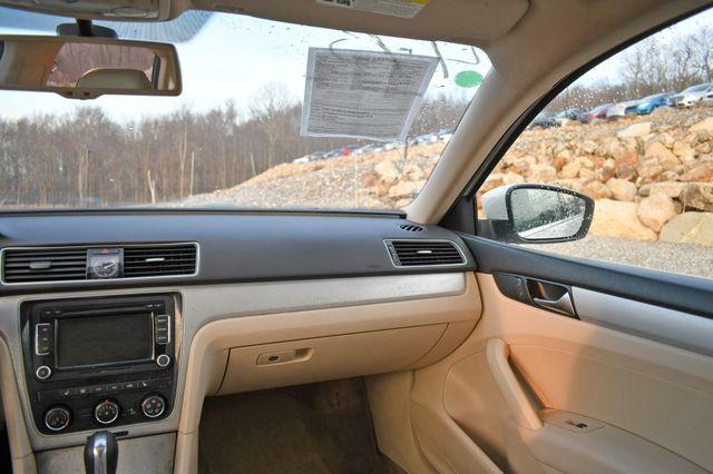 2013 Volkswagen Passat SE w/Sunroof Naugatuck, Connecticut 13