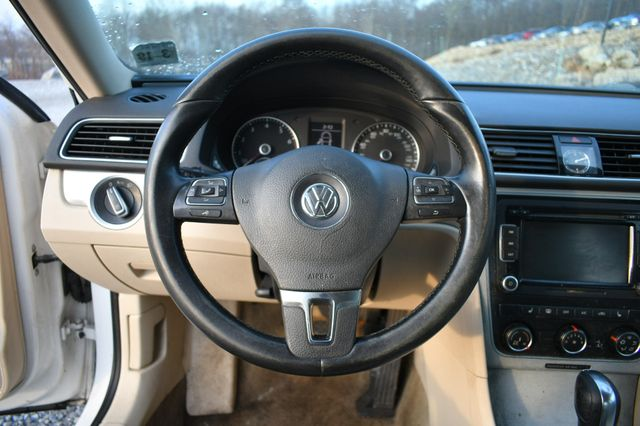 2013 Volkswagen Passat SE w/Sunroof Naugatuck, Connecticut 15
